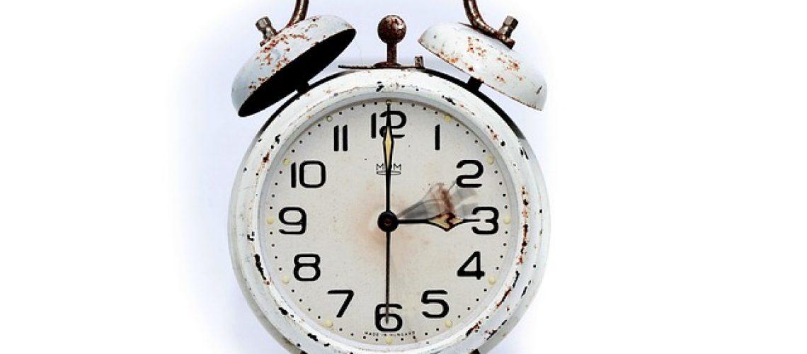 איך שעון נוכחות עובד